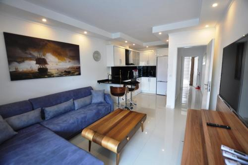 . Alanya Cleopatra Beach 2 Bedrooms Luxury Apartment in Hygienic Condition
