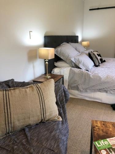 Cedar Park Bed & Breakfast - Accommodation - Hamilton