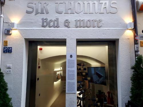 . Sir Thomas Bed&More