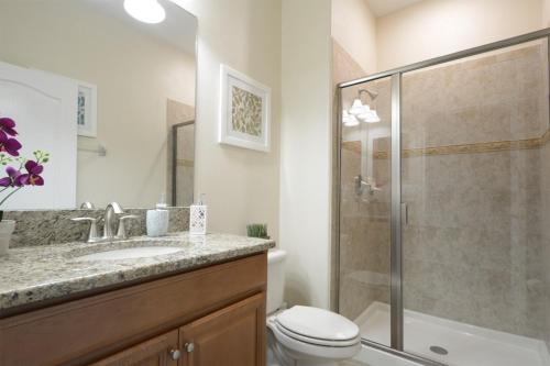 Beautiful Townhome In Storey Lake Townhouse - image 7