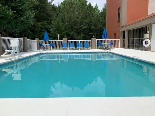 Holiday Inn Express Hillsborough-Durham Area - Hillsborough, NC NC 27278