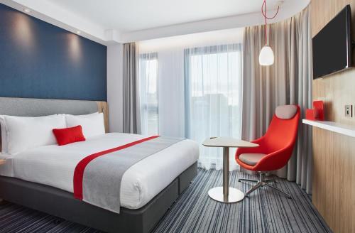 Holiday Inn Express London-Ealing, an IHG Hotel - image 7