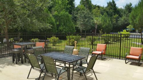 Holiday Inn Express Hotel & Suites Hinesville - Hinesville, GA GA 31313