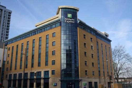 Holiday Inn Express London Stratford, an IHG Hotel