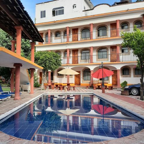 . Hotel El Sol