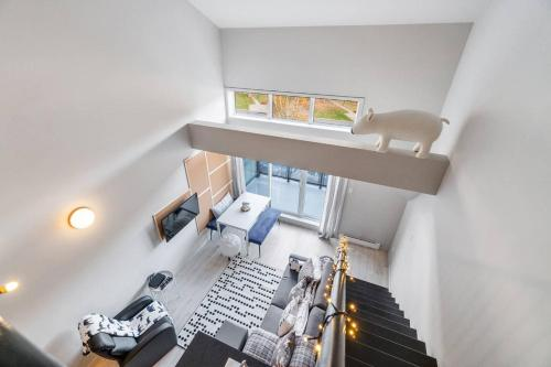 . The Bear Apartment nearby Mont-St-Anne Ski by Belzile & Nicolas