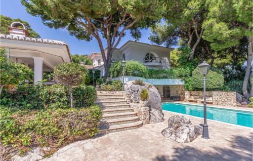 Beautiful home in Málaga w/ WiFi, Heated swimming pool and Outdoor swimming pool - Hotel - Málaga