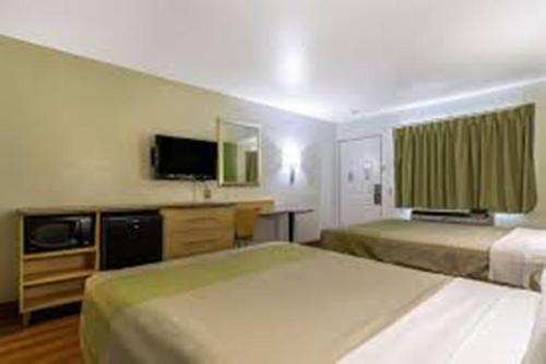 Motel 6 Buttonwillow Central