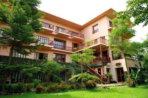 . Riverhouse Resort