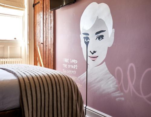 Photo - Artist Residence Brighton