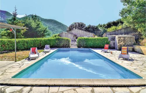 Beautiful home in Saint Leger du Ventoux w/ Outdoor swimming pool, Outdoor swimming pool and 2 Bedrooms - Hotel - Saint-Léger-du-Ventoux