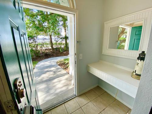 Runaway Beach Club Resort 2 Bedroom Vacation Condo - RW18102 - image 3