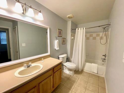 Runaway Beach Club Resort 2 Bedroom Vacation Condo - RW18102 - image 5