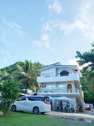 Dela Torre Beach Resort Baler