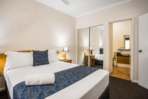 Фото отеля Karratha Central Apartments