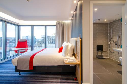 Holiday Inn Express London-Ealing, an IHG Hotel - image 13