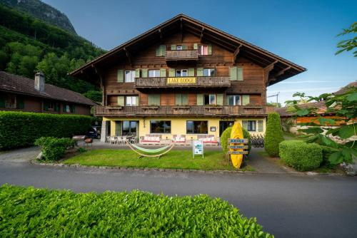 Lake Lodge Hostel - Accommodation - Iseltwald