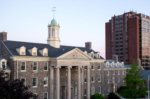 University of King's College - Halifax, NS B3H 2A1