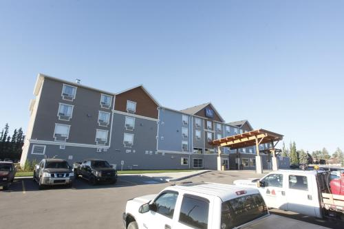 Pomeroy Inn & Suites at Olds College - Olds, AB T4H 1P5