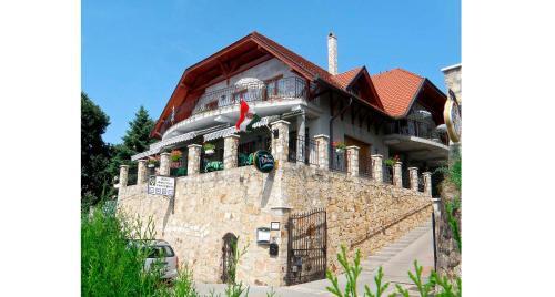 . Hotel Hubertus Zebegeny
