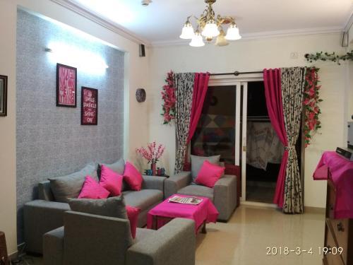 3 Bhk European Decor Apartment In