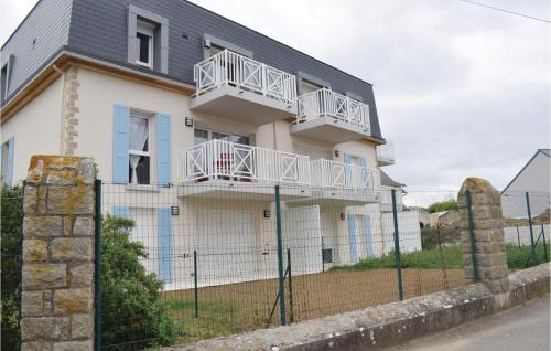 . Nice apartment in Saint Quay Portrieux w/ 2 Bedrooms