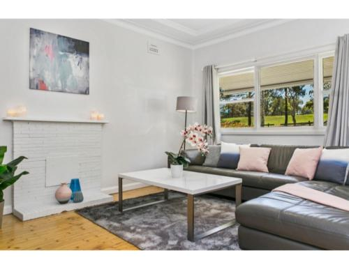 Modern Aus home on the edge of North Ryde Oval - image 1