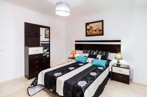 . Apartamento Los Remedios Con Patio Andaluz