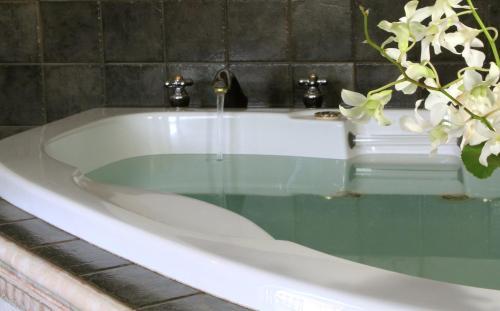 1802 House Bed & Breakfast - Kennebunkport, ME 04046