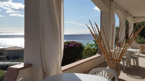 . Lucia: bilocale con splendido terrazzo vista mare
