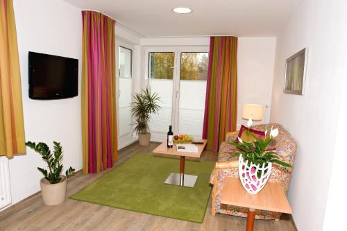 . Ferienwohnungen - Boarding Wohnungen Sonnenhof