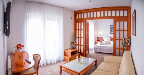 . Hotel Integra