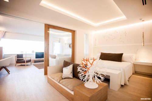 Hotel Cala Saona & Spa rum bilder