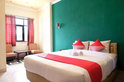 . OYO 515 Oasis Hotel