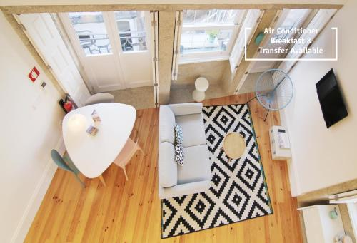 HM - Bonjardim Duplex Charming Apartment in 4000-323 Porto