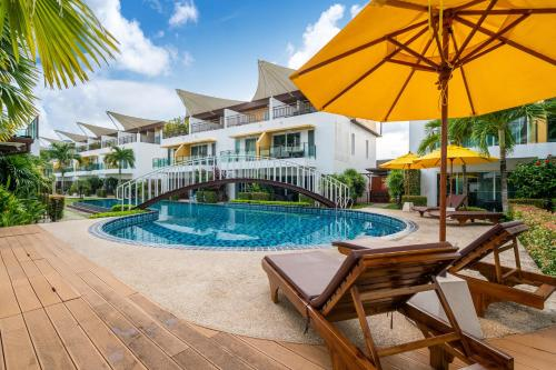 Mountain view villa near beach with terrace and pool Mountain view villa near beach with terrace and pool