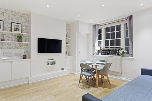 Newly Renovated 1 Bed Flat In Westminster, Sleeps 4