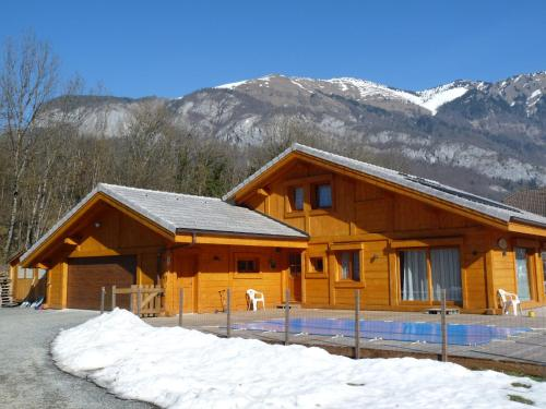 Chalet aux 3 biches - Accommodation - Mieussy