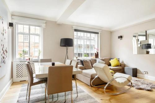 Modern & Stylish 2 Bed, 2 Mins To Marble Arch