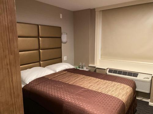 Hotel Key - image 3