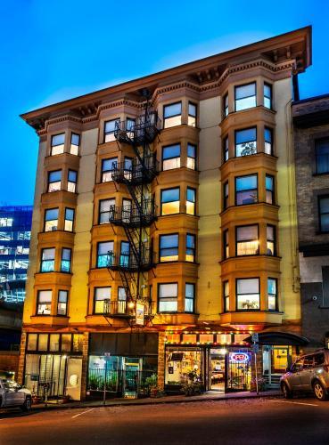 . Arundel Mansions Hotel