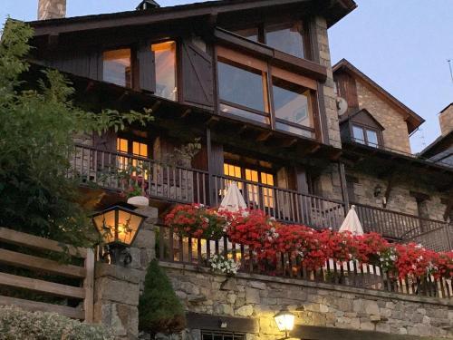 El Xalet de Taüll Hotel Rural - Accommodation - Boí Taüll