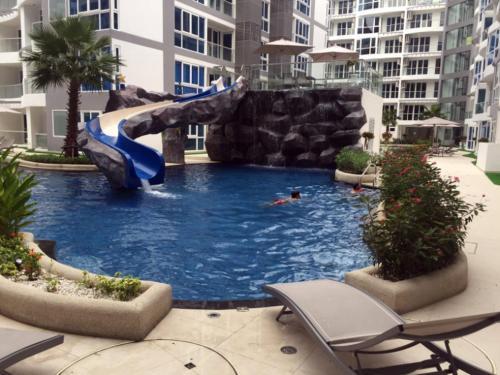 Luxury Apartments in Grand Avenue, Pattaya Central by Dimi Luxury Apartments in Grand Avenue, Pattaya Central by Dimi