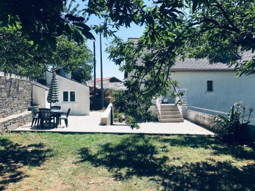 duplex house un center village, Vila Real