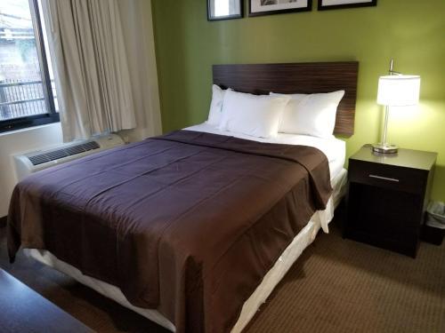 Hillside Hotel - image 10