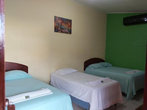Mados Hotel Tamarindo salas fotos