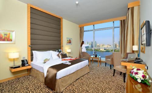 Copthorne Hotel Sharjah - Photo 8 of 53