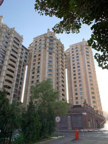 . Spacious flat in Al-Farabi avenue with big rooms