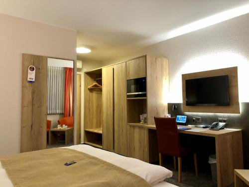 . Hotel Merkur
