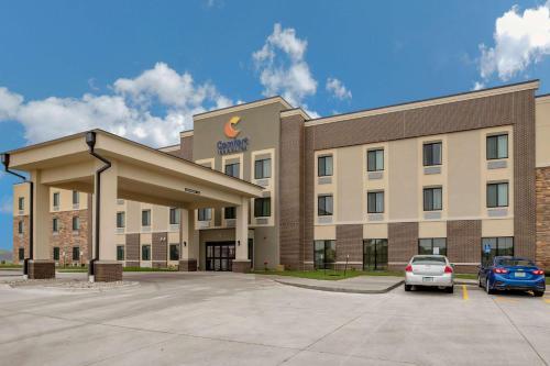 . Comfort Inn and Suites Ames near ISU Campus